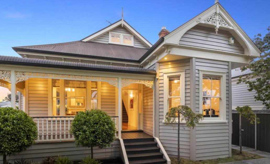 【ニュージーランド】美しい並木道のグランロードに面したモダンな空間