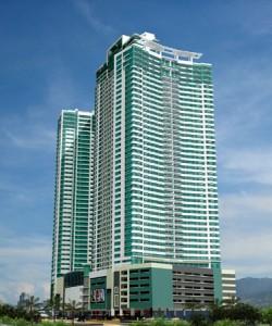【フィリピン】首都マニラの中心地で日本人もたくさん住んでいる代表的なコンドミニアム! 大型ショッピングモール近くで利便性も◎!